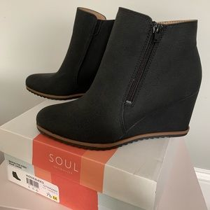Black 7 & 1/2 BRAND NEW booties